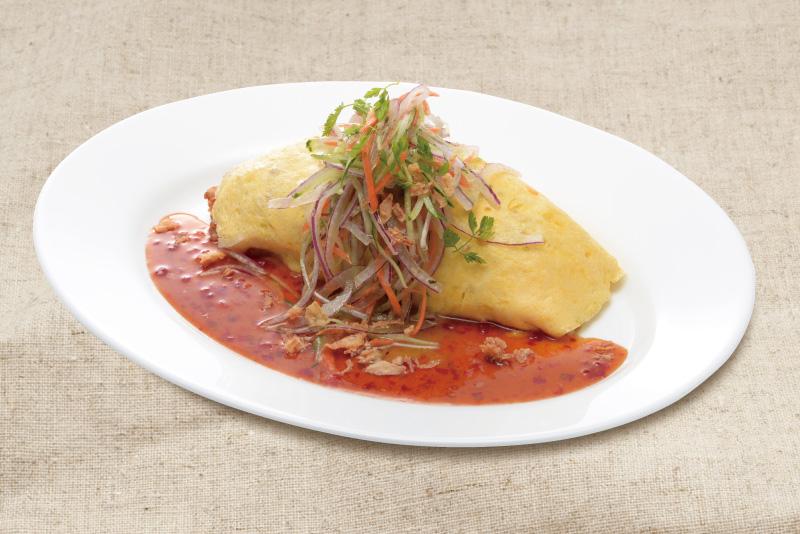 ガパオ炒飯のオリエンタルオムライス
